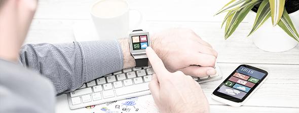 Wearables sur le lieu de travail : avantages et risques